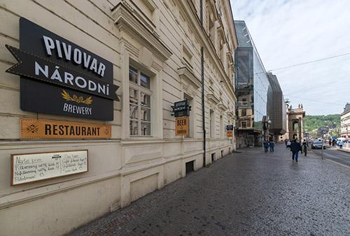 Pohled z ulice na budovu pivovaru Národní třída Praha