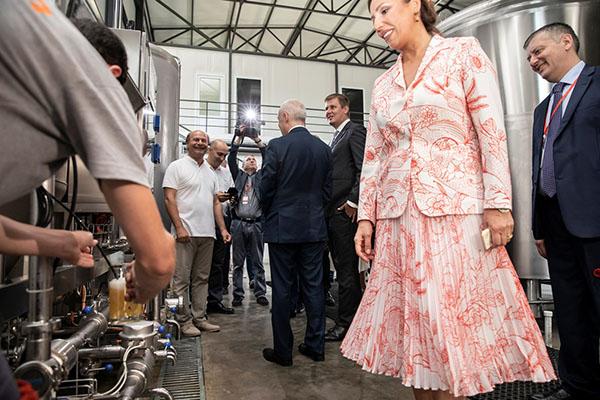 Představení filtru na pivo v pivovaru Ludi Batumuri