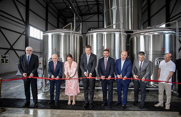Slavnostní otevření pivovaru Ludi Batumuri