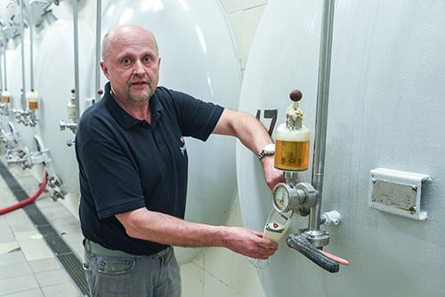 Sládek v pivovaru Chotěboř Oldřich Záruba